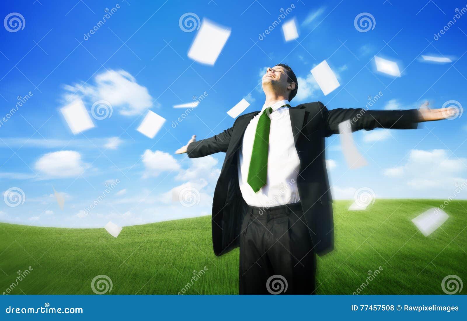 Concepto de Documents Throwing Happiness del hombre de negocios del negocio