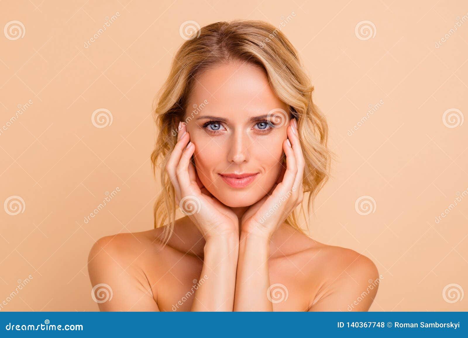 Concepto De La Corrección De La Cirugía Plástica Retrato Del Primer