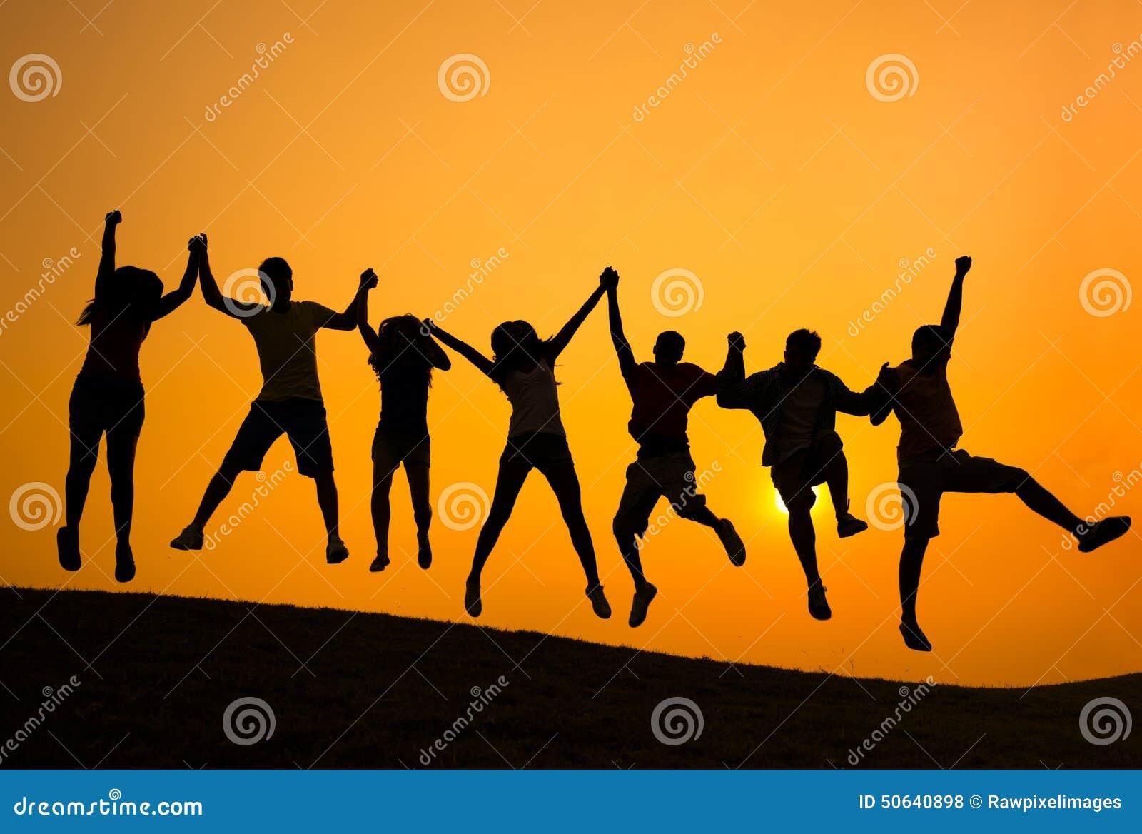 Concepto de la felicidad de la comunidad del logro del éxito