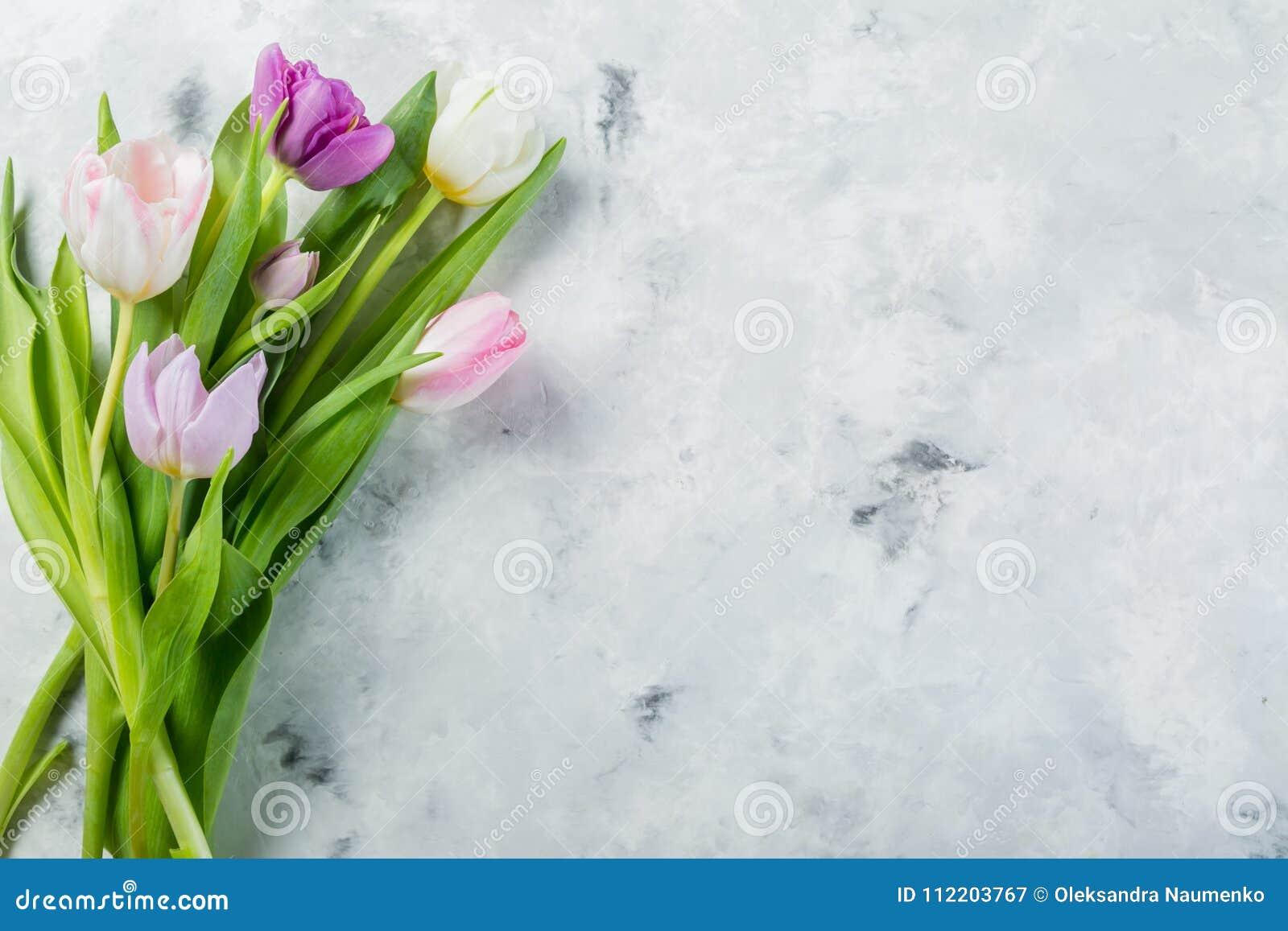 concepto de la primavera pascua día de madres flores en el fondo