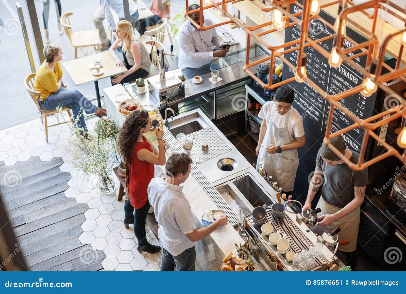 Concepto de la relajación del restaurante del café del contador de la barra de la cafetería