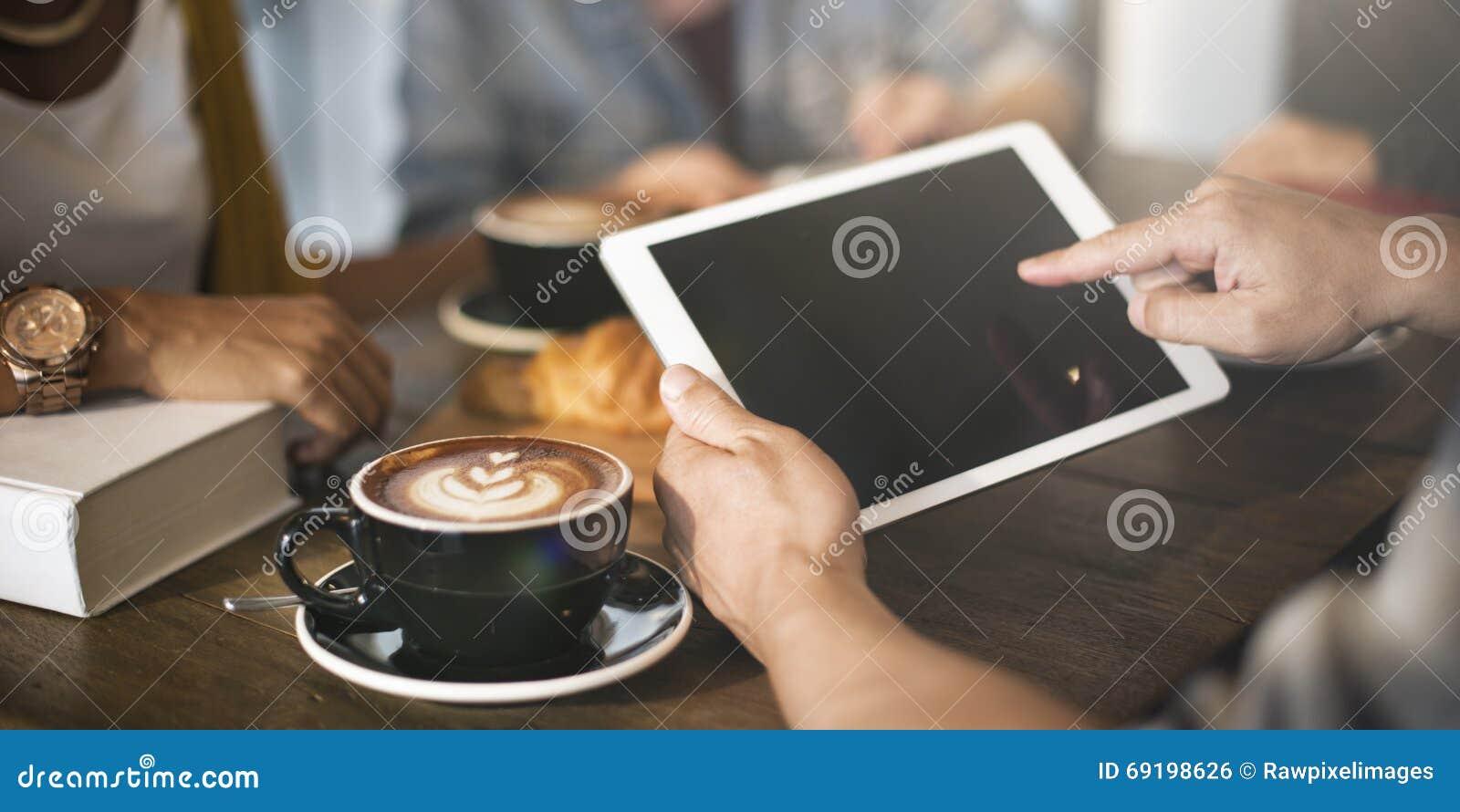 Concepto de la tecnología del capuchino del Latte del café de la cafetería
