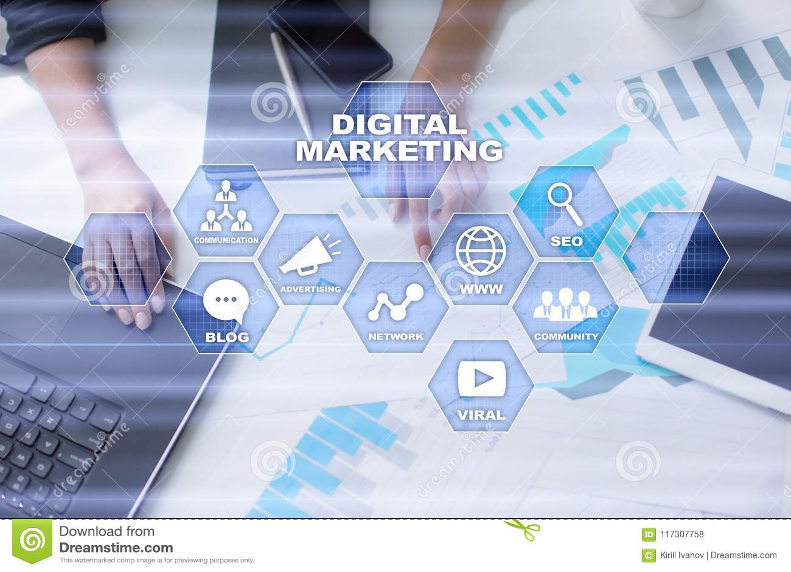 Concepto de la tecnología del márketing de Digitaces Internet En línea Optimización de buscadores SEO SMM publicidad