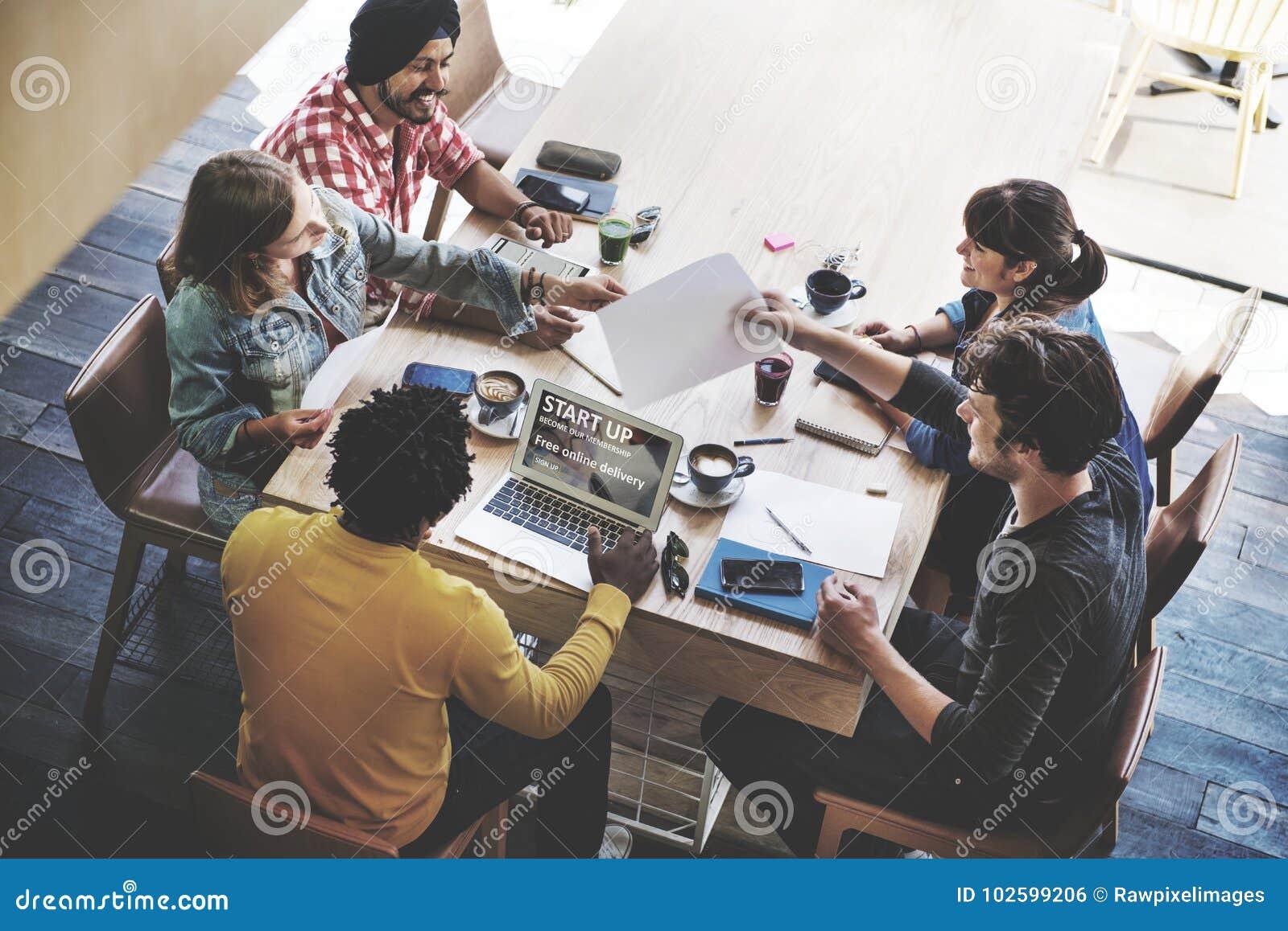 Concepto de lanzamiento del planeamiento de la reunión de reflexión de la reunión de negocios