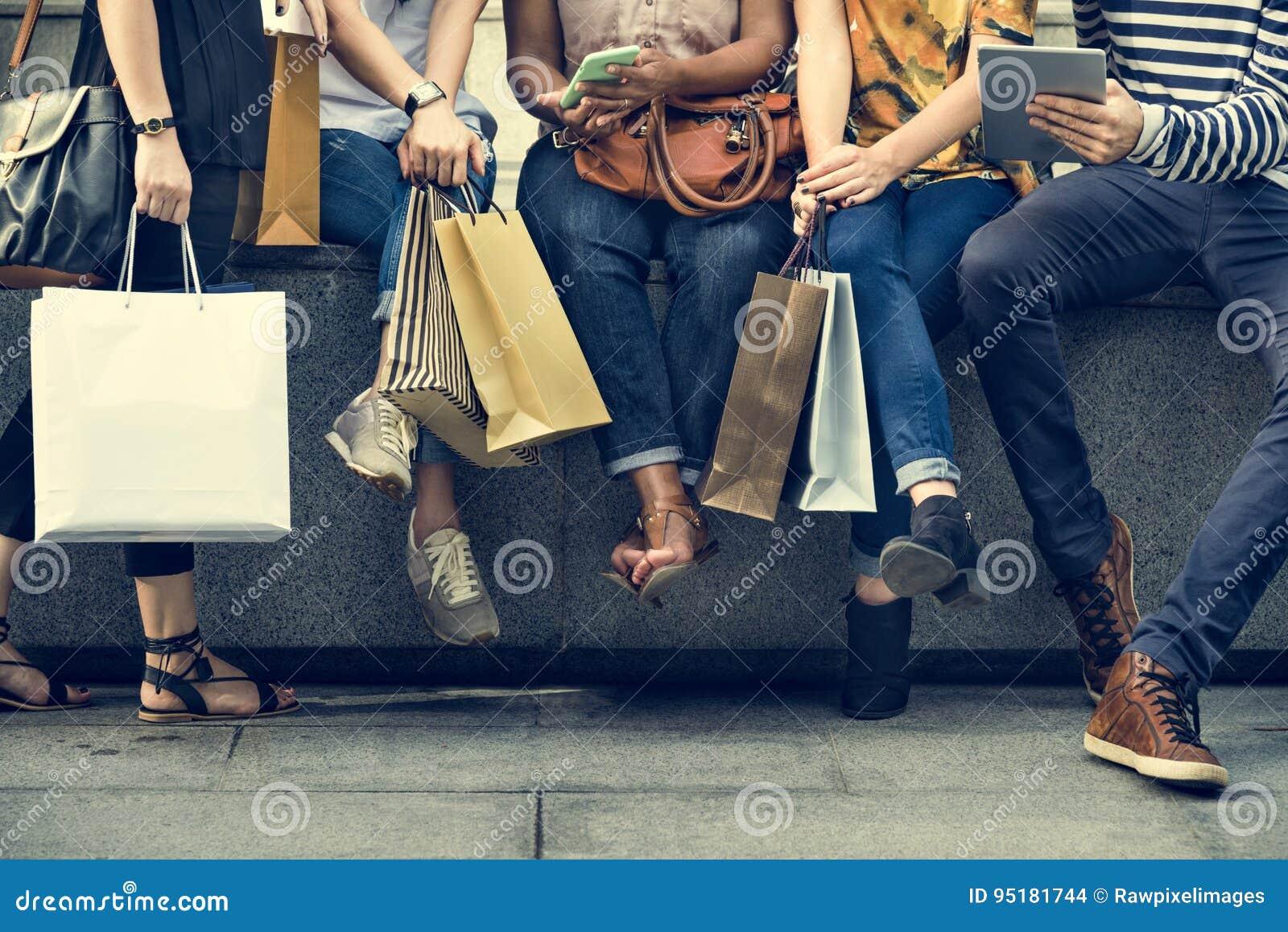 Concepto de las compras del grupo de personas