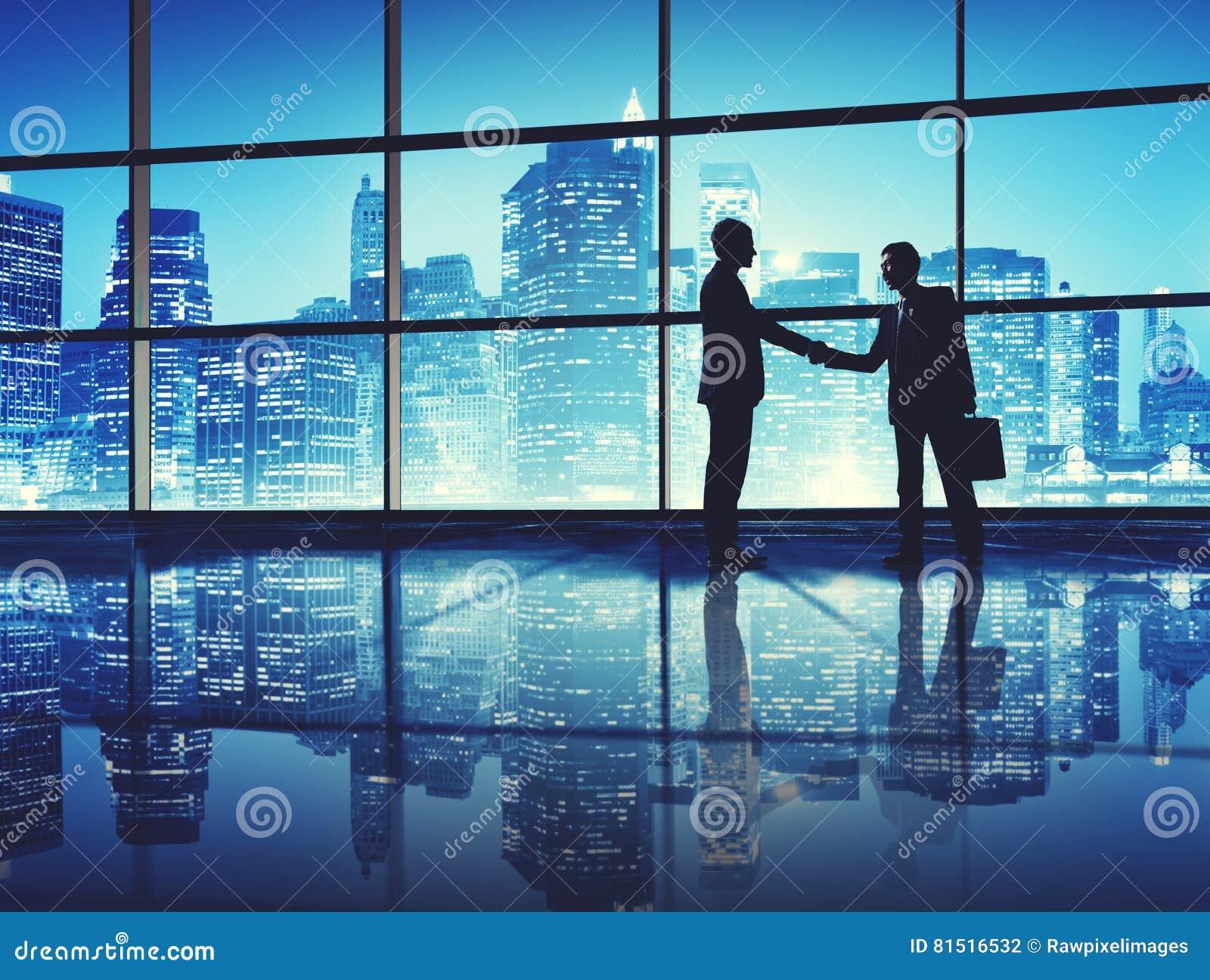 Concepto del saludo del apretón de manos del negocio del trato de los hombres de negocios
