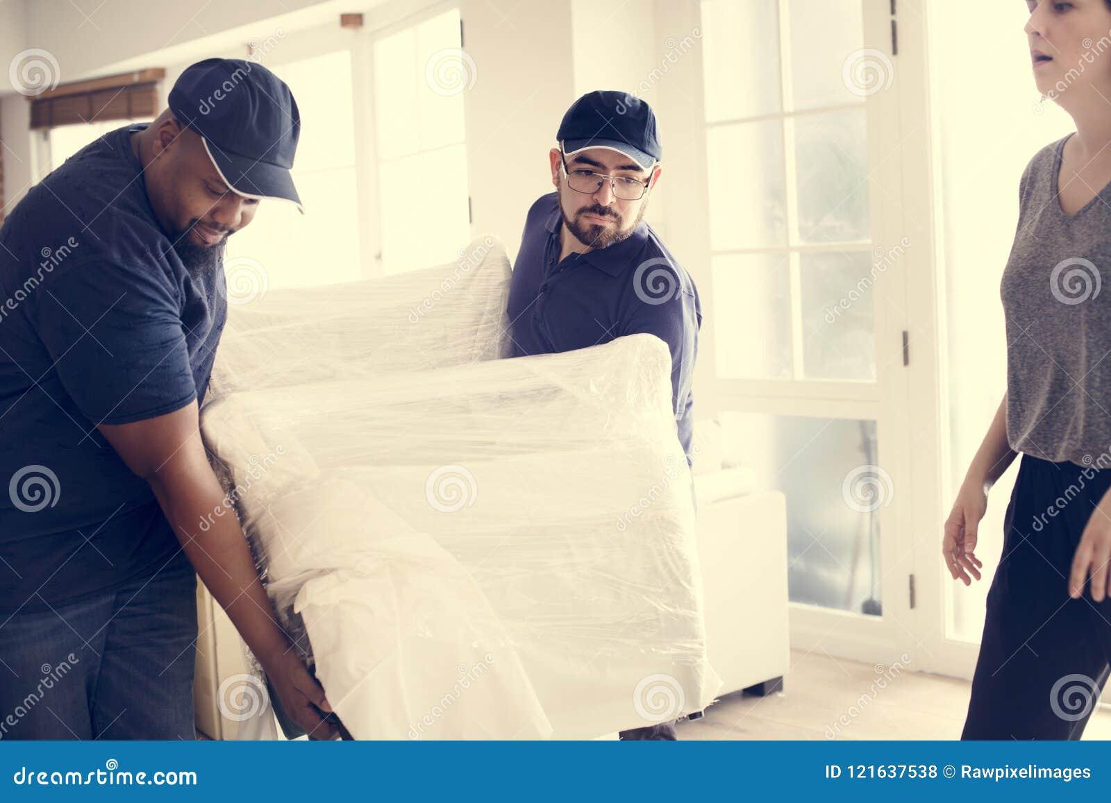 Concepto del servicio de atención al cliente de la entrega de los muebles