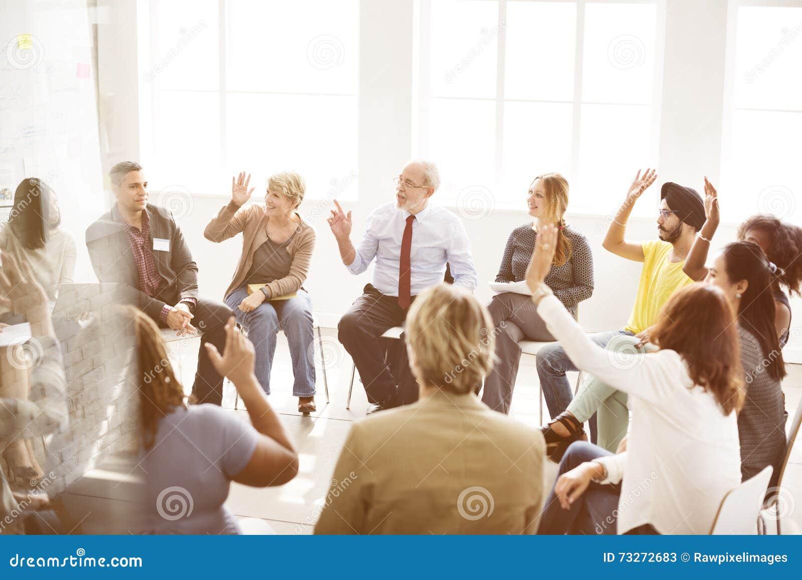 Concepto del trabajo en equipo de la organización de la corporación