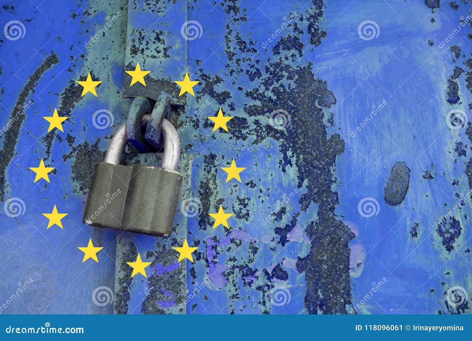 Concepto general de la regulación de la protección de datos Candado en meta azul