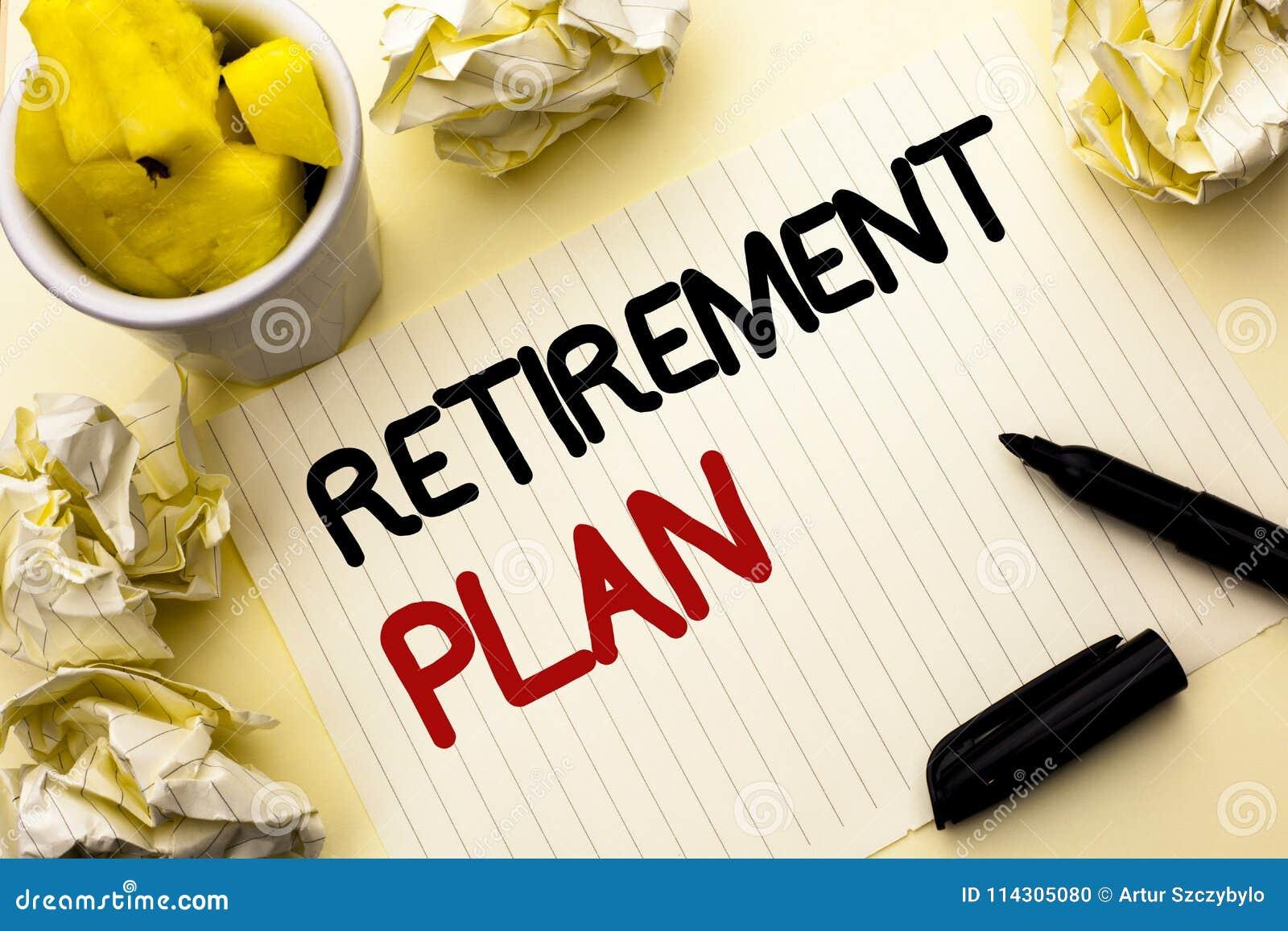 Conceptuele hand die tonend Pensioneringsplan schrijven De Investeringen van bedrijfsfoto demonstratiebesparingen die inkomens vo