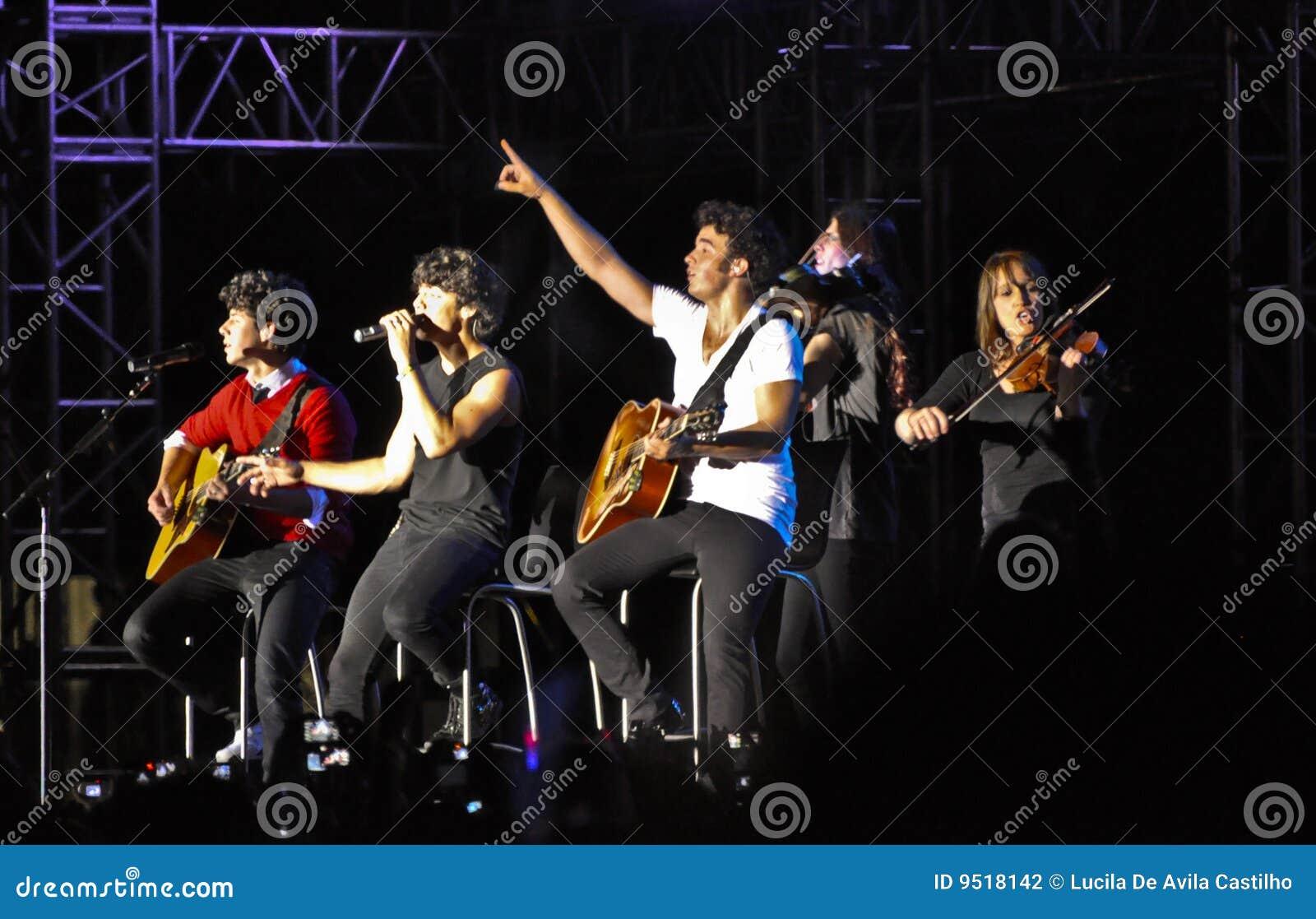 Concert de rock de frères de Jonas