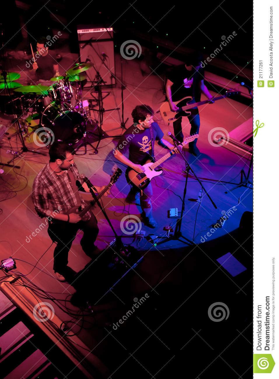 Concert of the group of Indie Pop, Champagne