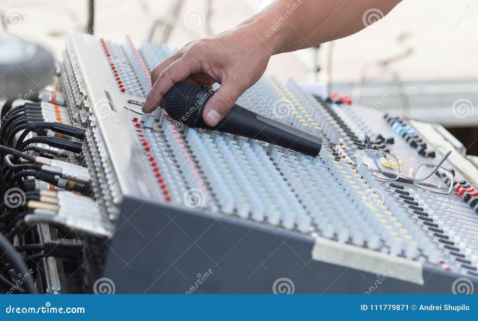 Concert music control