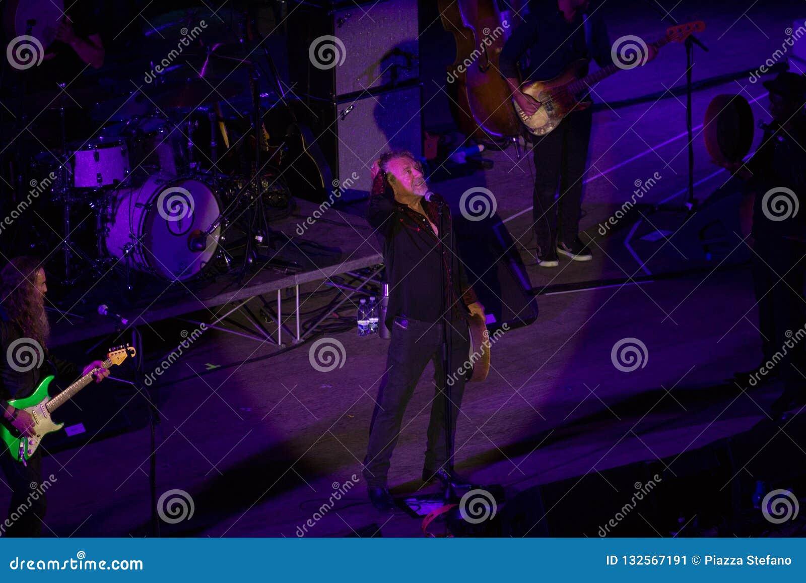 Concerto di Robert Plant al teatro antico di Taormina il 24 luglio 2016