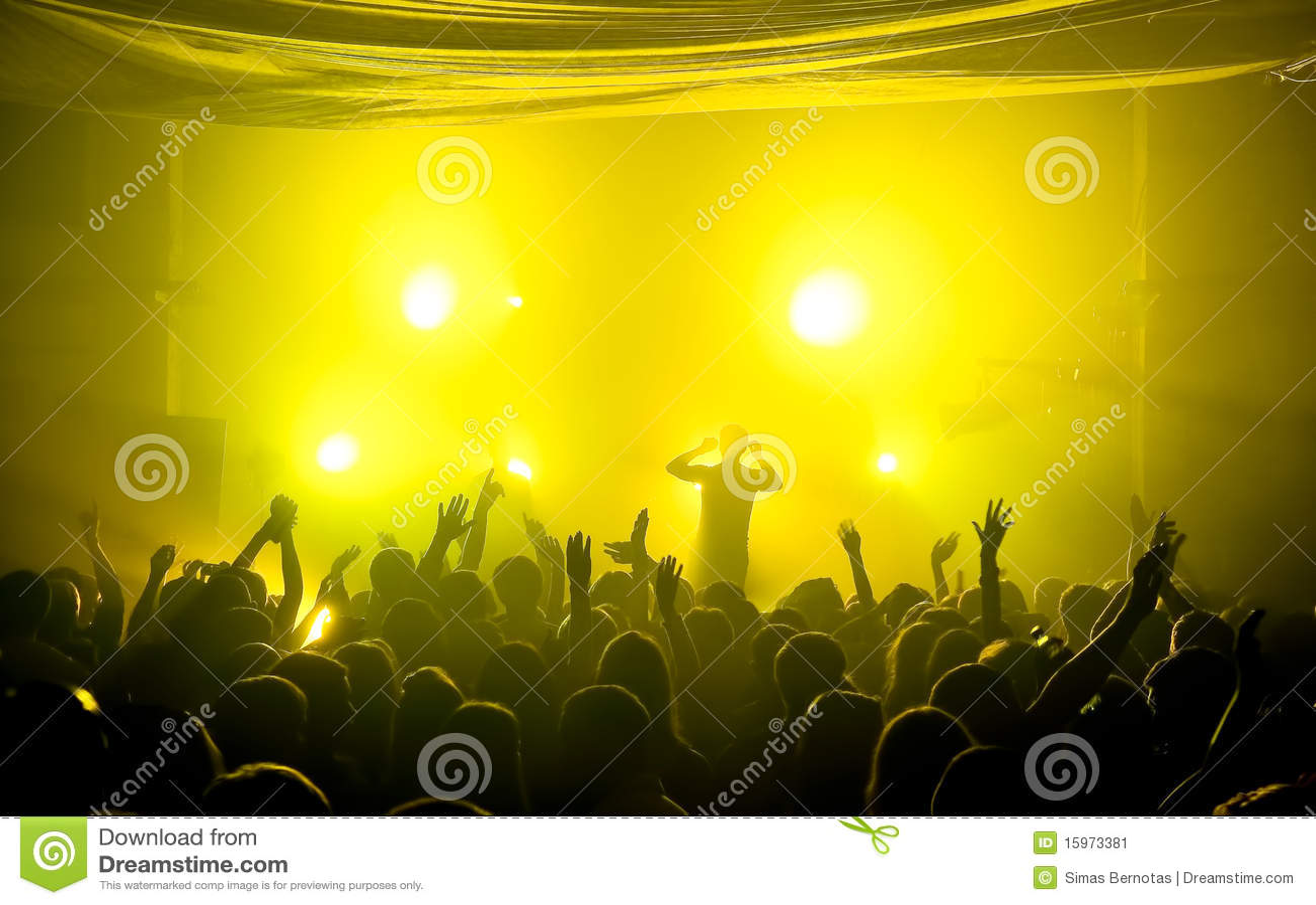 Concerto subterrâneo da música do clube