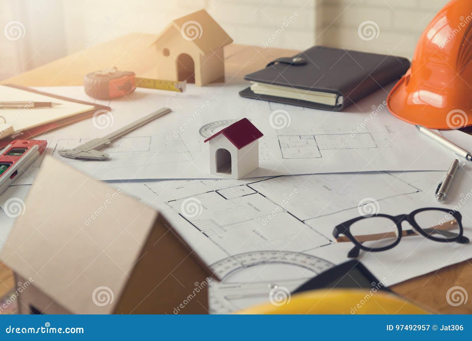 Concetto dell architetto e dell ingegnere, modello della Camera e modello