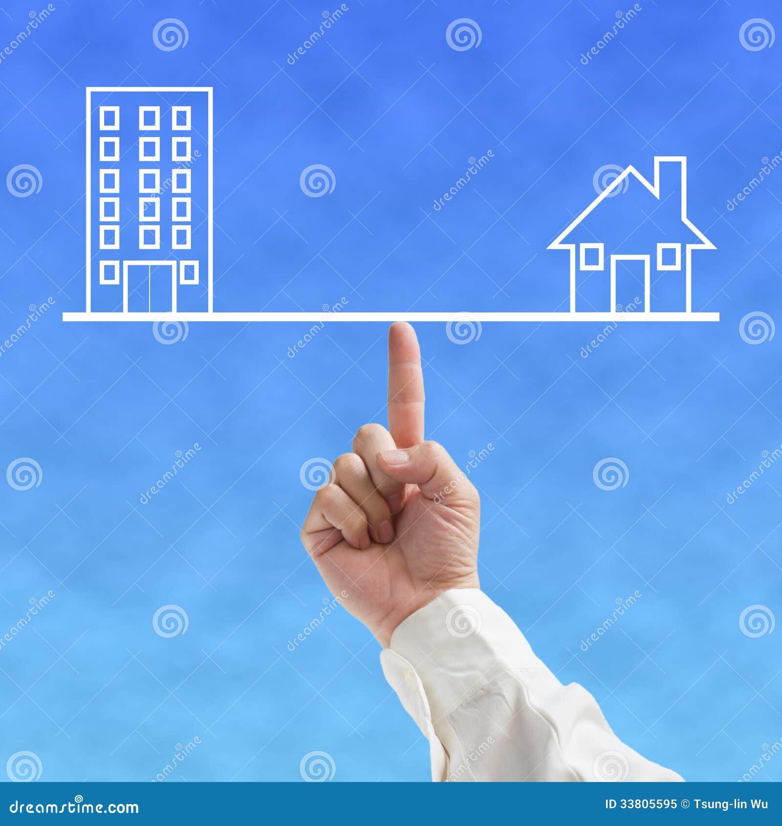 Concetto dell 39 equilibrio dell 39 ufficio e della casa con l for Programma di disegno della casa libera