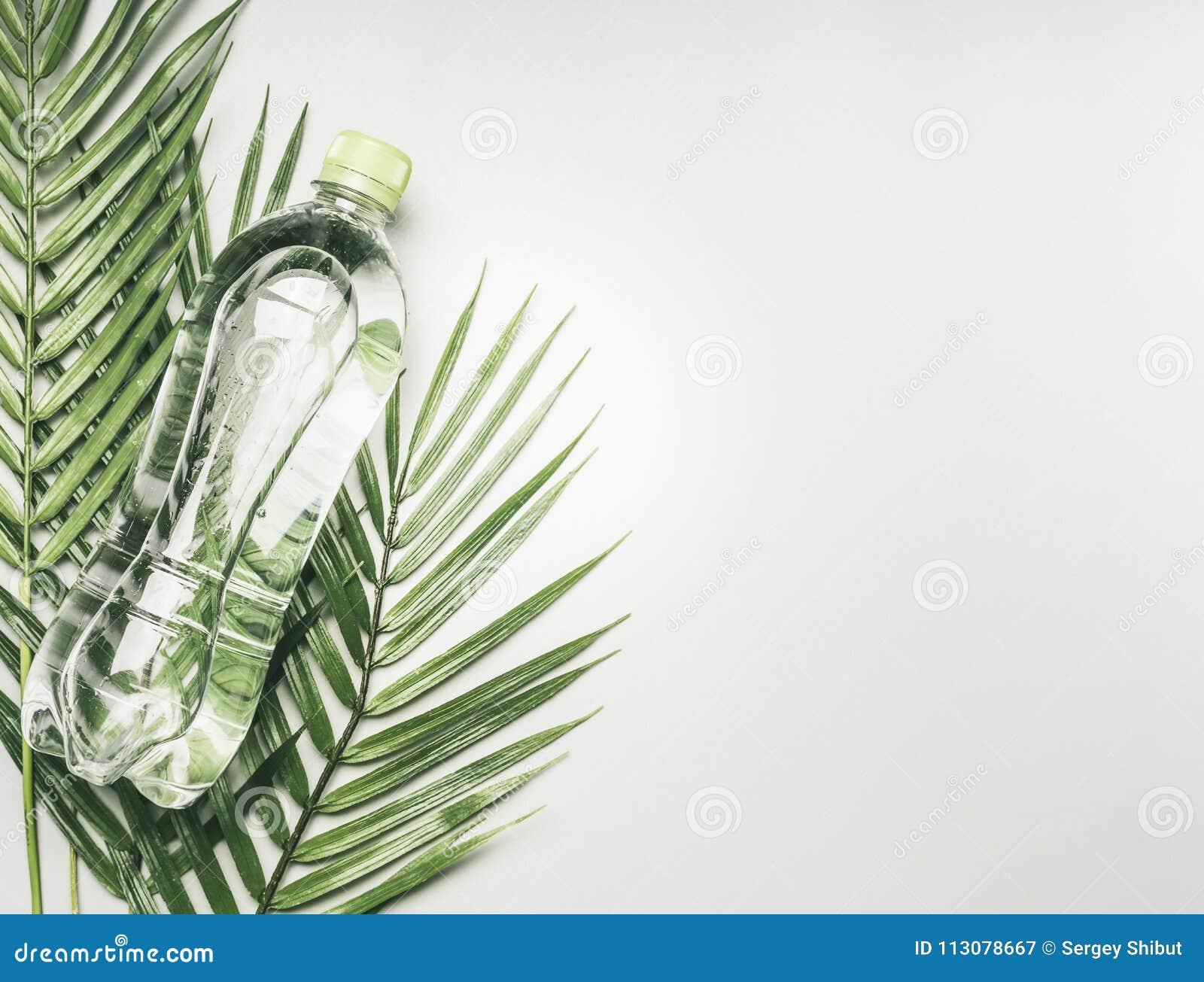 Concetto Dello Stile Di Vita Di Sport Bottiglia Trasparente Con