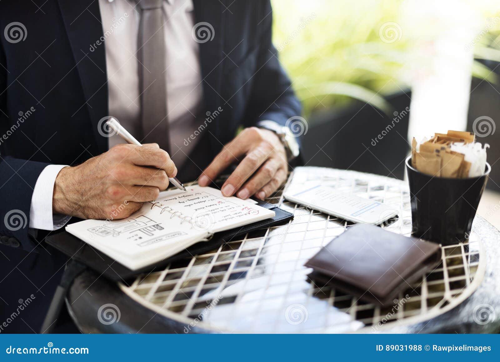 Concetto di Coffee Ideas Strategy dell uomo d affari del business plan