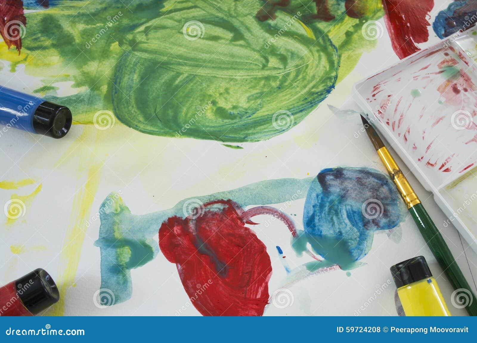 Concetto di divertimento del gioco del bambino di istruzione di colore di acqua di arte
