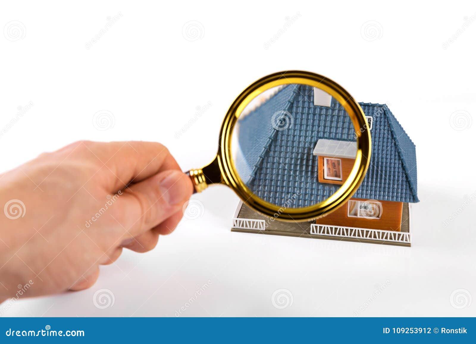 Concetto di ispezione e di valutazione del bene immobile fotografia stock immagine di - Valutazione immobile casa it ...