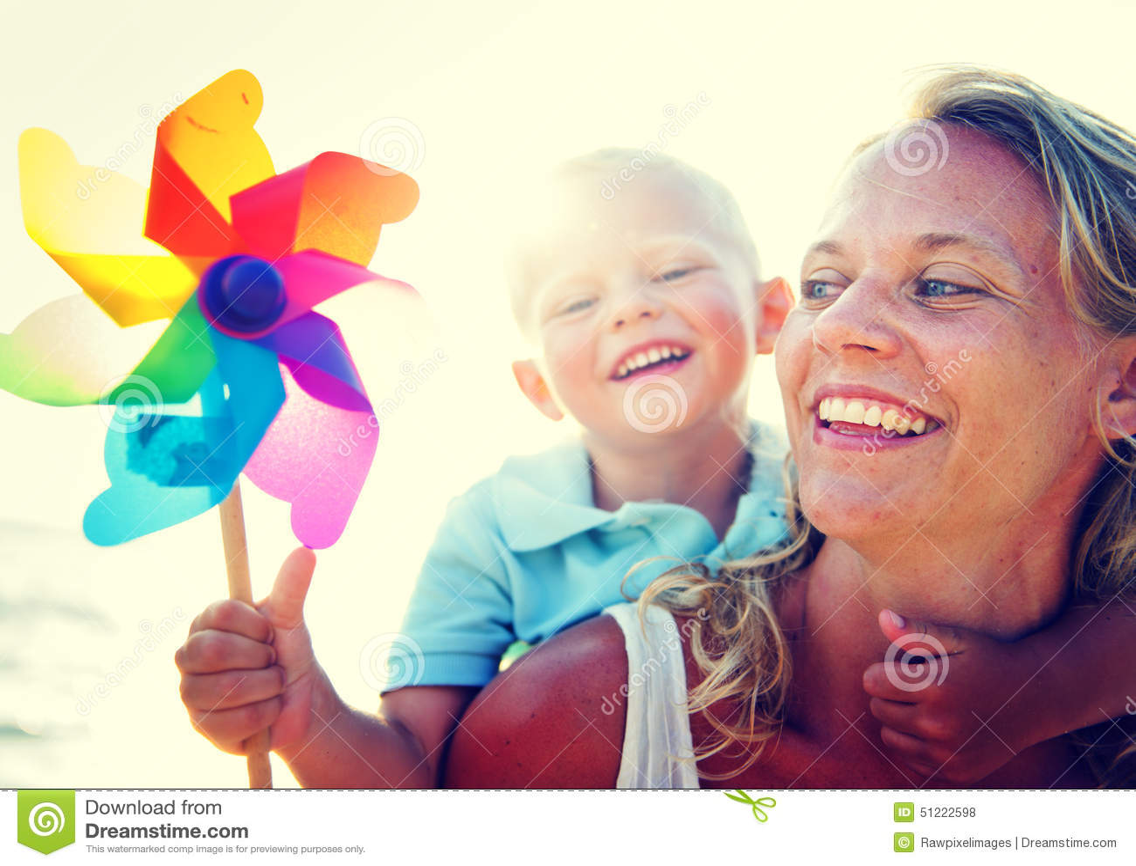 Concetto di legame della famiglia di rilassamento di divertimento del figlio della madre