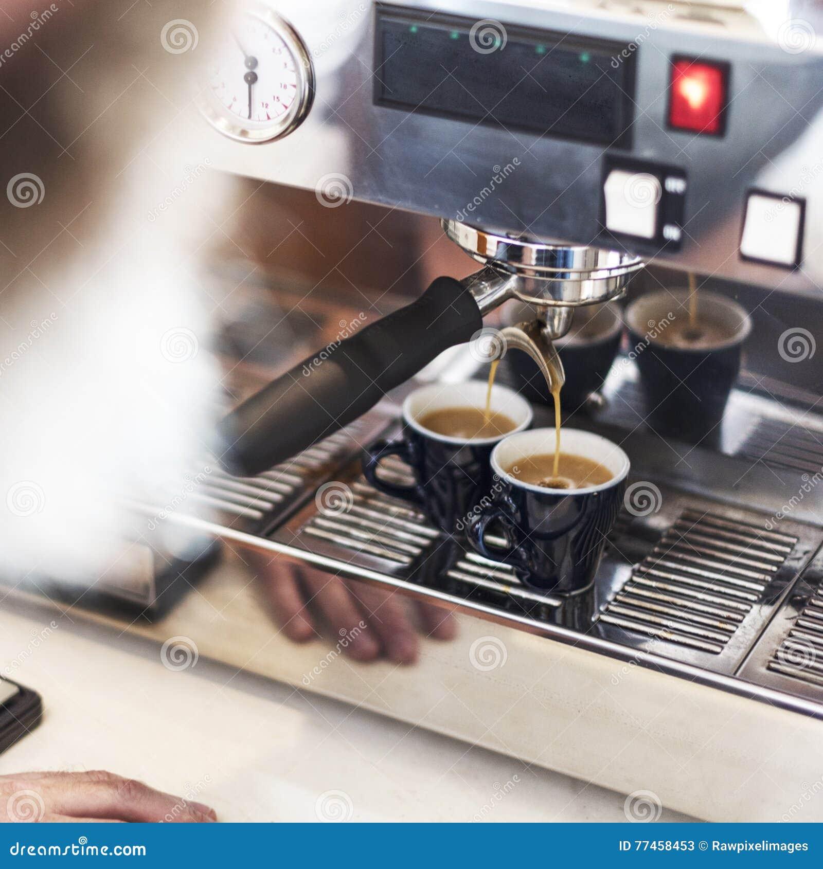 Concetto di ordine di Prepare Coffee Working di barista