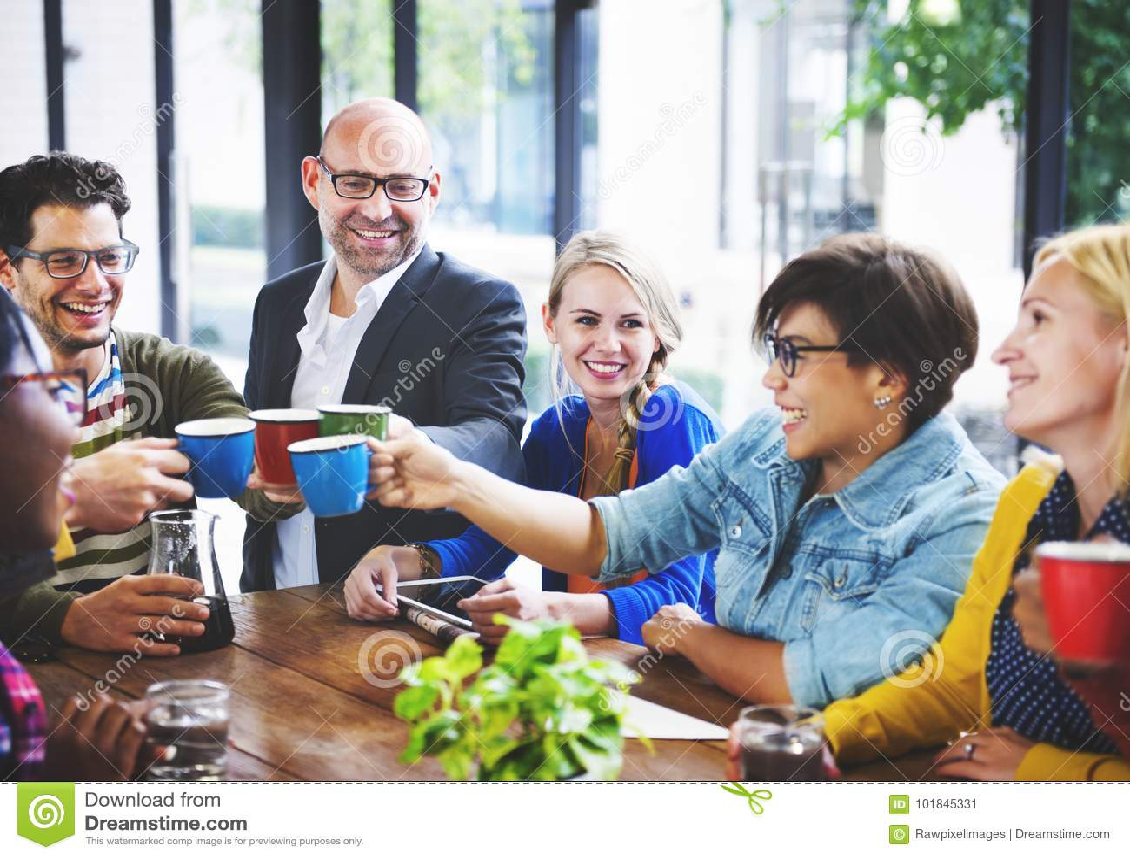 Concetto di Team Coffee Break Discussion Talking di affari