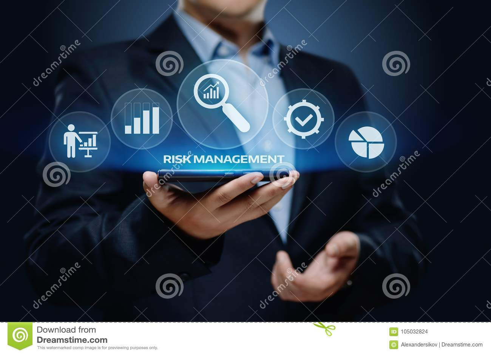 Concetto di tecnologia di affari di Internet di investimento di finanza di piano di strategia di gestione dei rischi