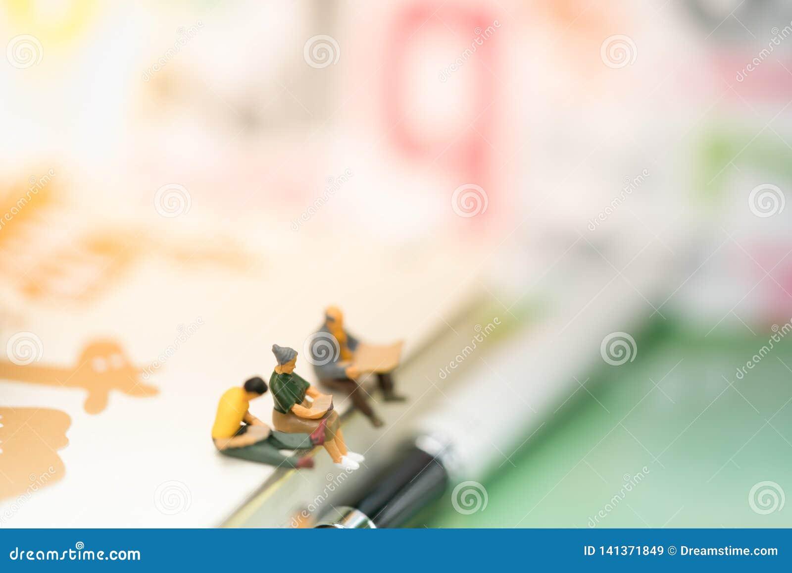 Concetto finanziario e di affari di istruzione, dei soldi, di crescita