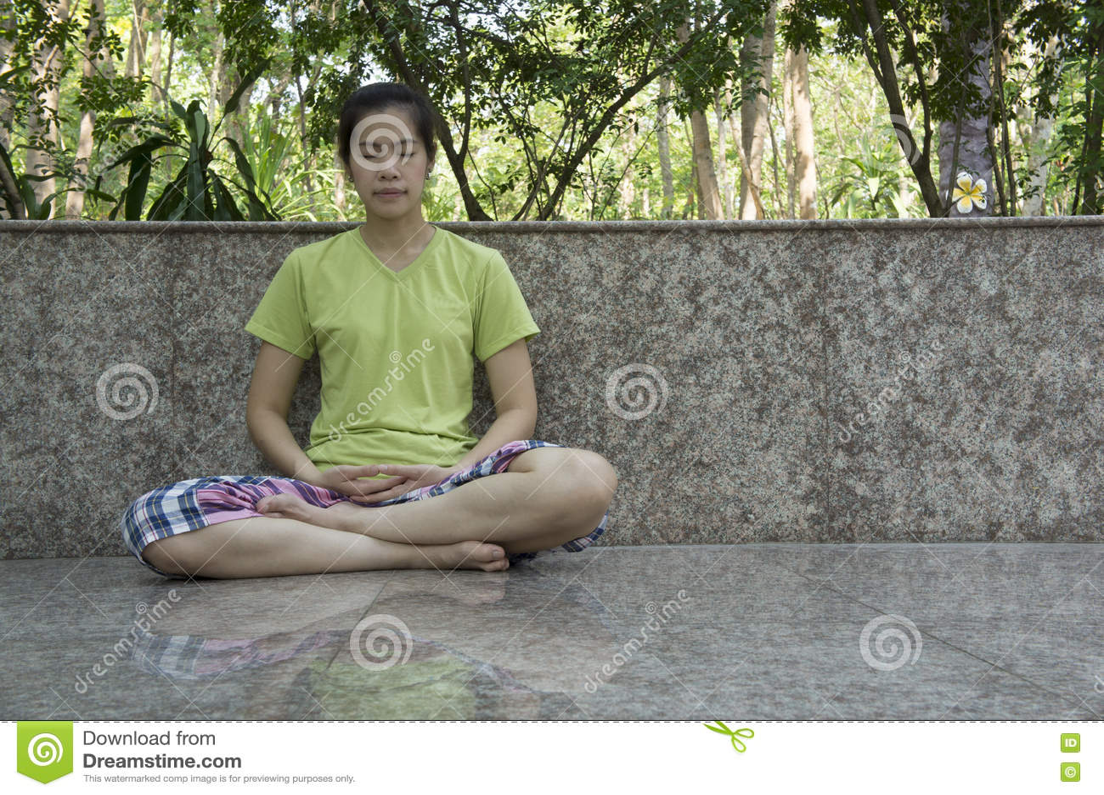 Concetto libero di buddismo di meditazione di rilassamento di consapevolezza