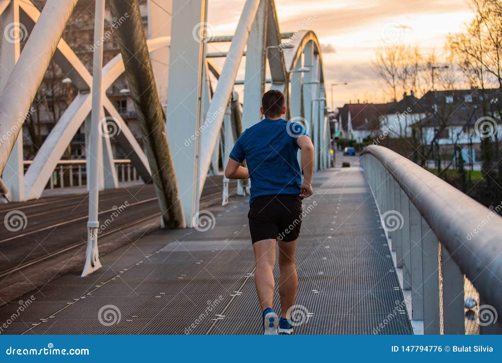Concetto sano di stile di vita Attivit? pareggiante di allenamento