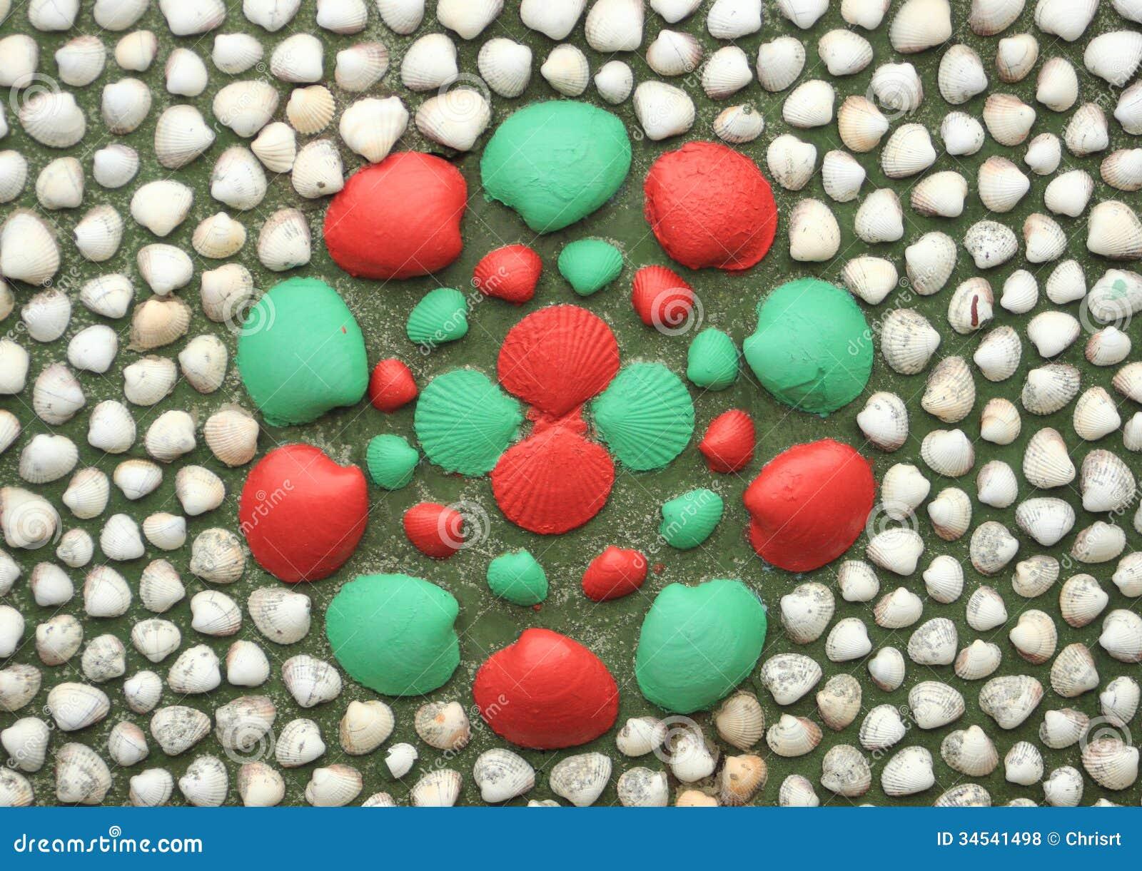 Conchas do mar pintadas em uma parede que forma uma flor - Imagenes de paredes pintadas ...