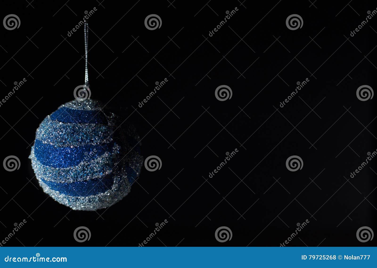 Concierto de la Navidad con los accesorios azules