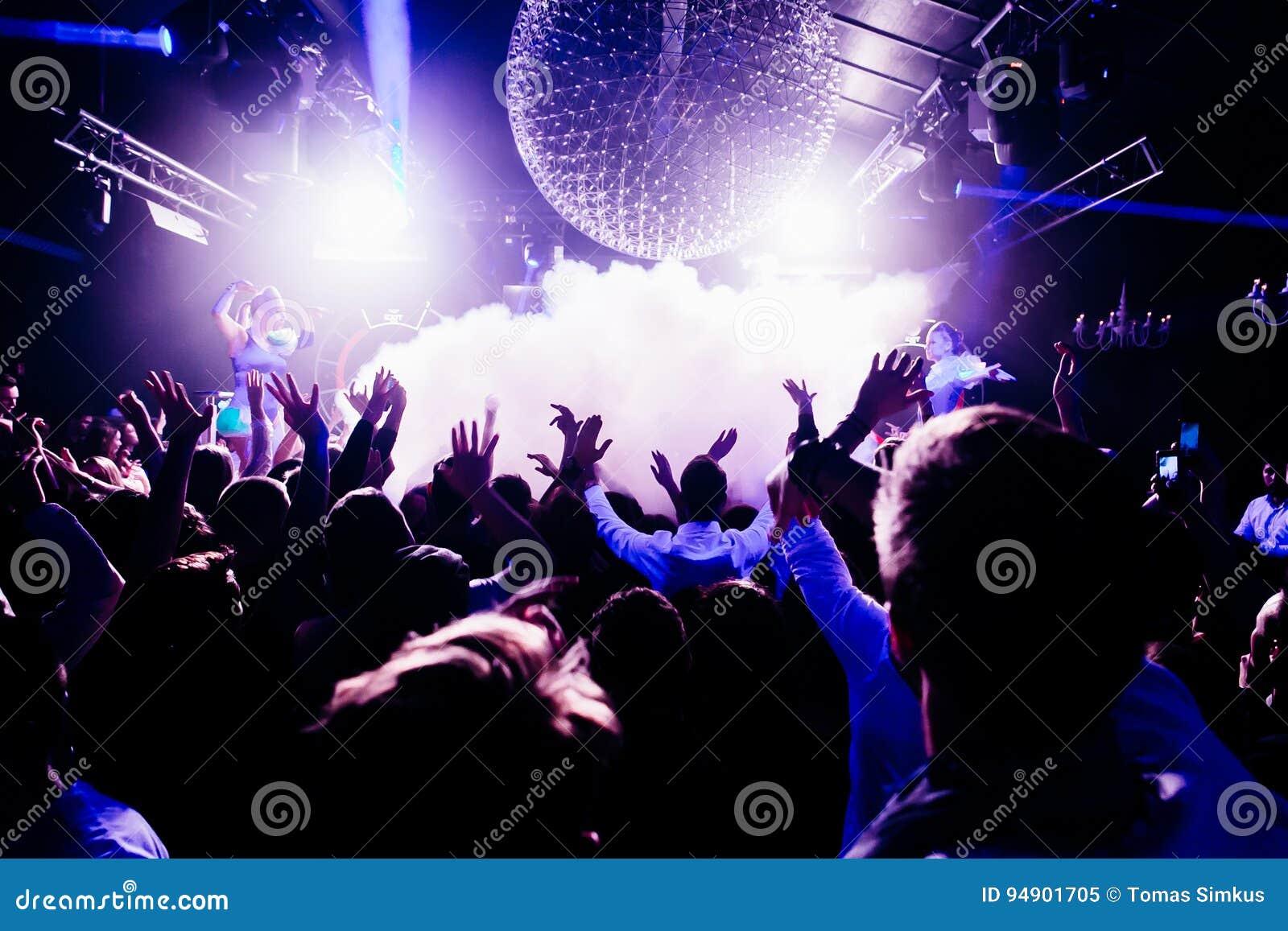 Concierto en club