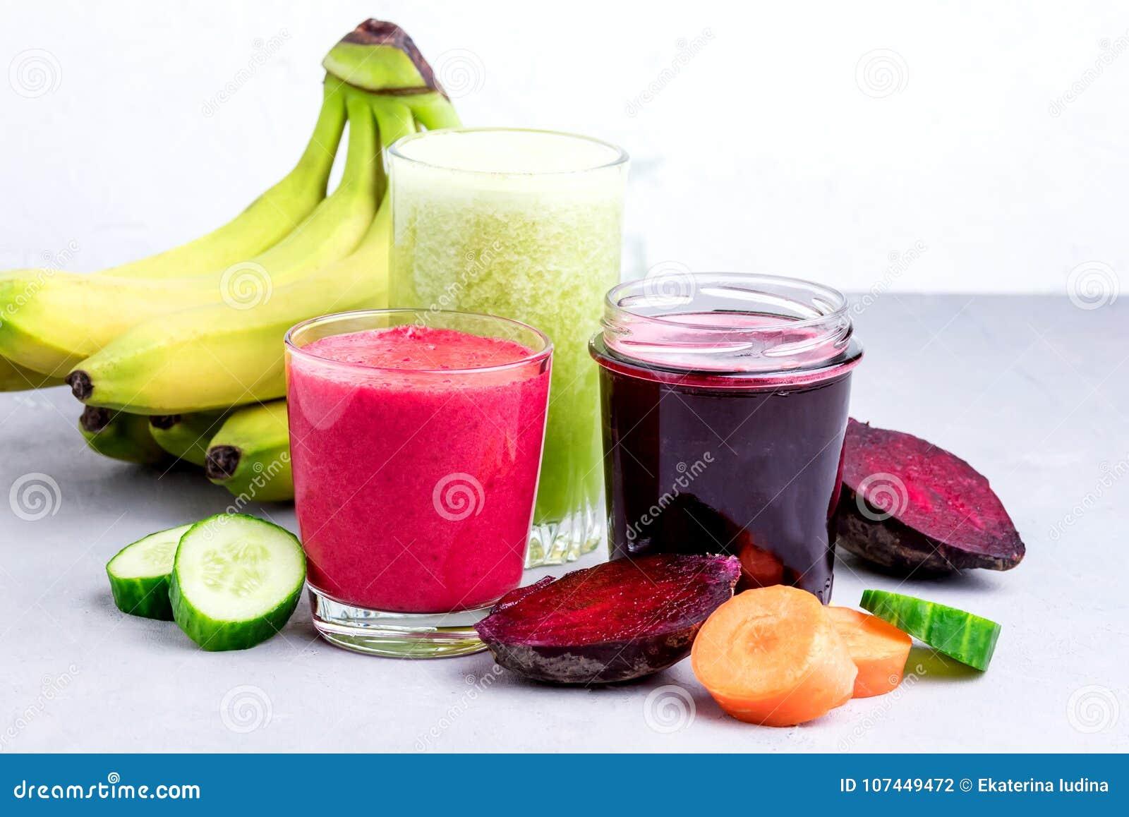 5 smoothie-uri detoxifiante cu castravete