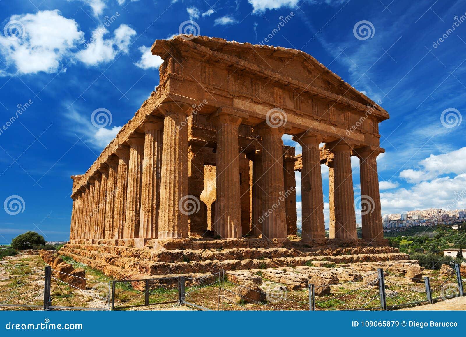 Concordia-Tempel in archäologischem Park Agrigents sizilien