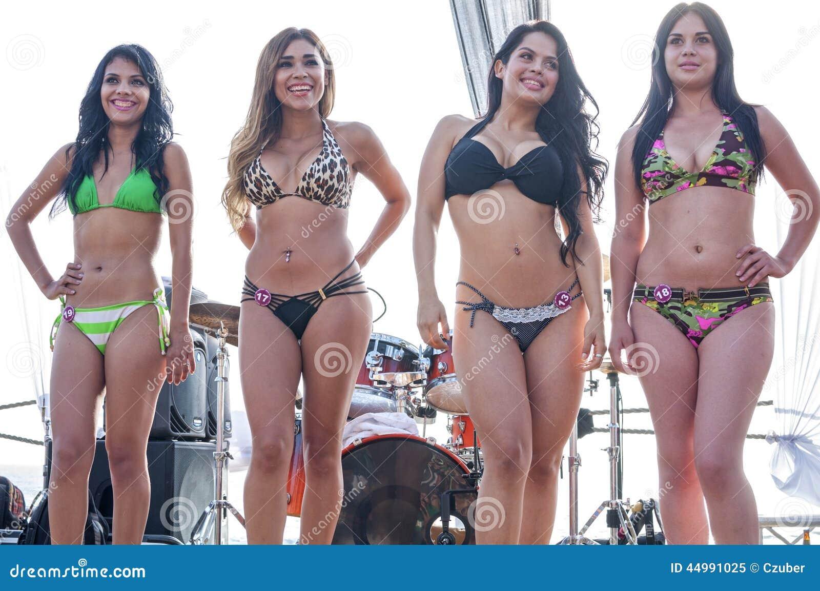 Comment créer un bikini de ruban adhésif -