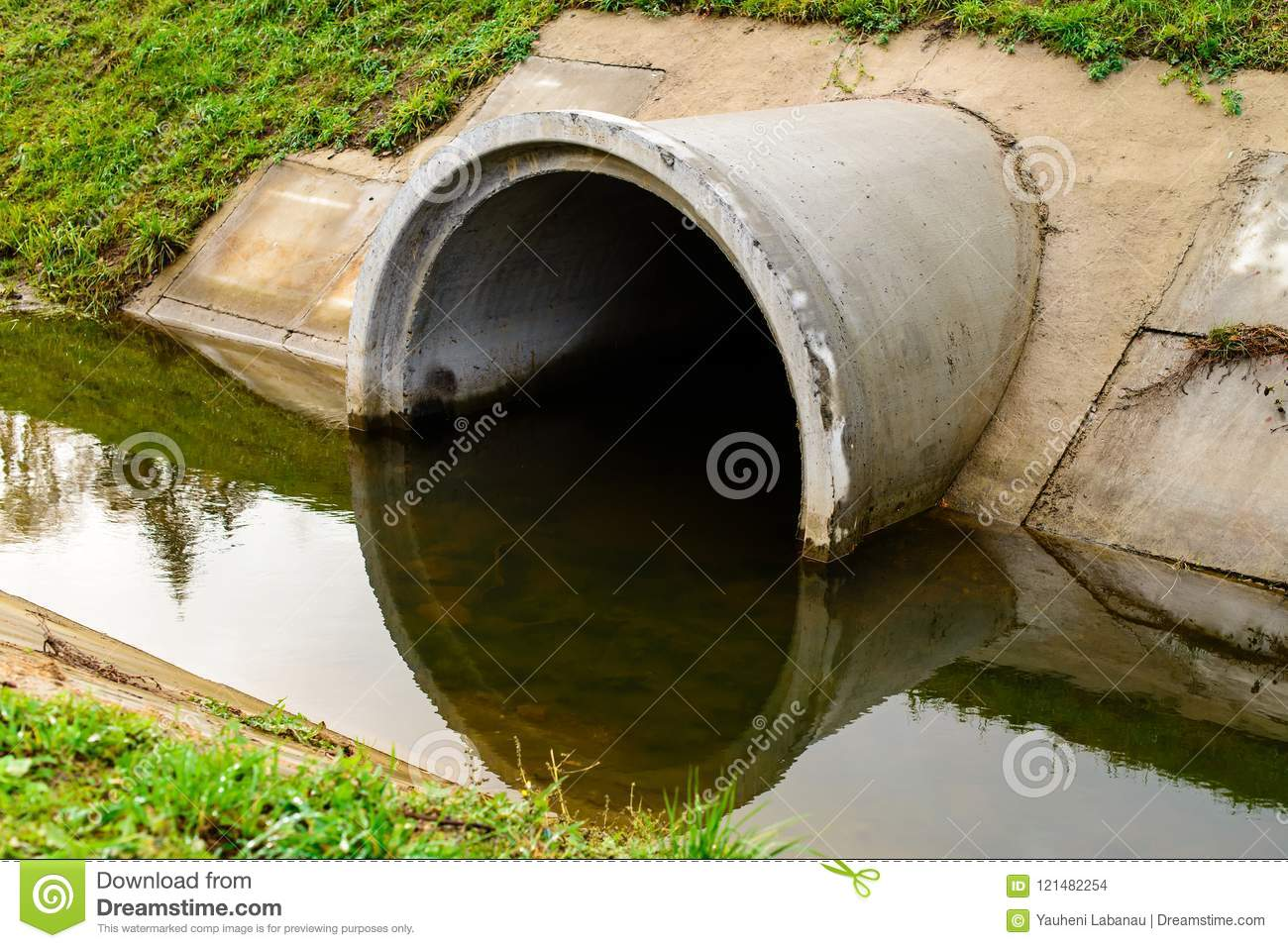 Concrete Culvert Pipe Hole System Draining Sewage Water