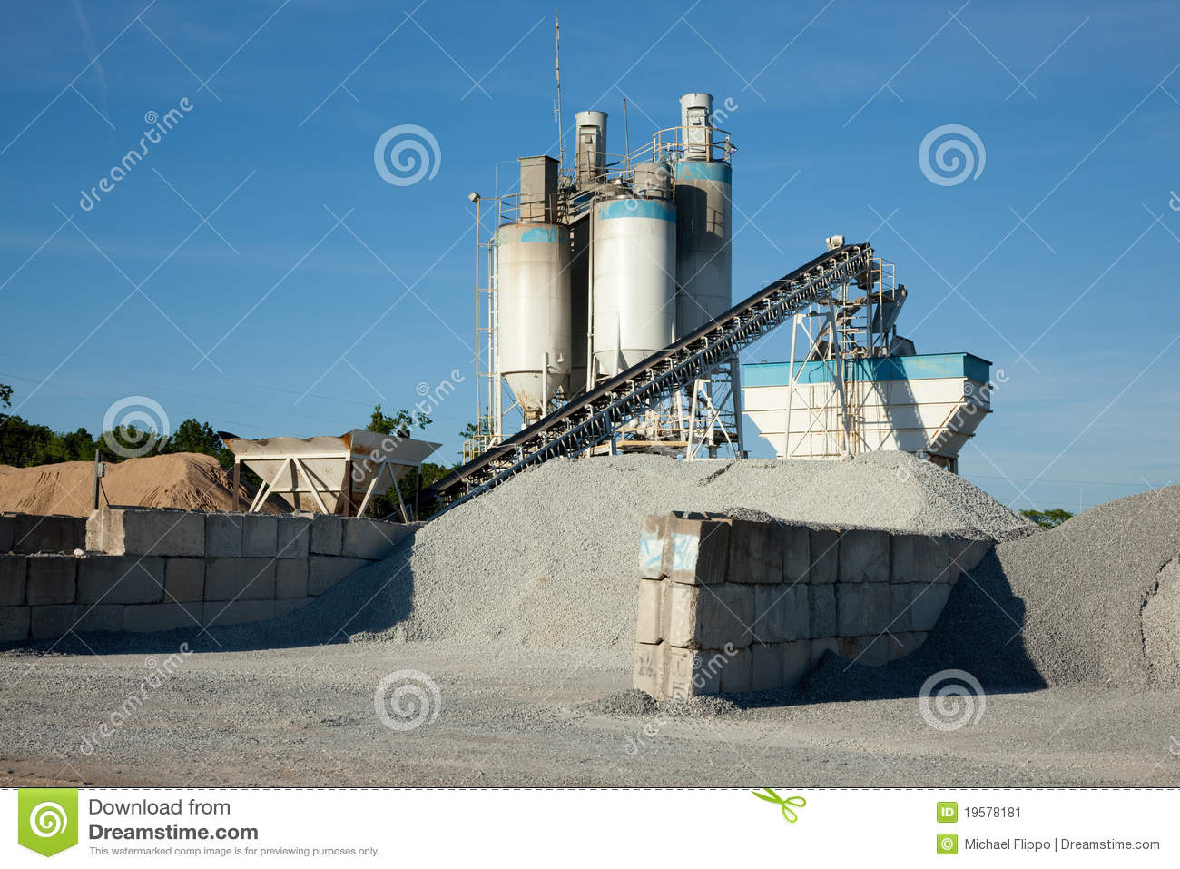 Cement Manufacturing Plants United States : Concrete manufacturing processing plant stock image