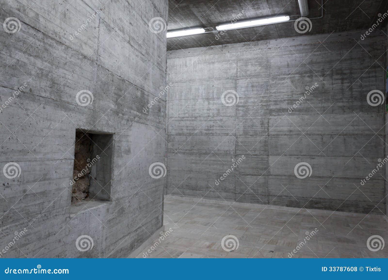 Concrete Wall Construction : Concrete walls inside a modern building stock photo