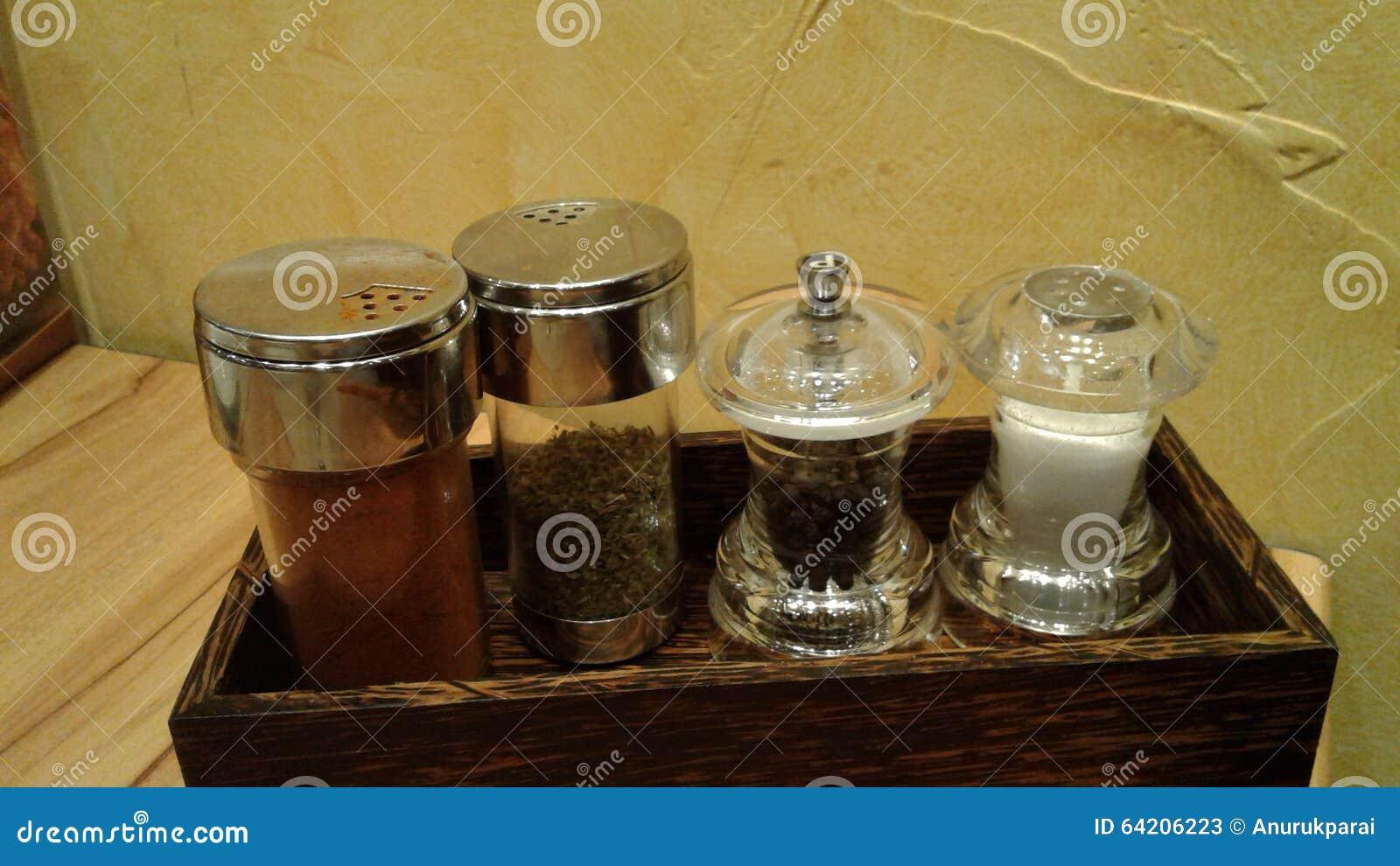 Condimentación en las botellas de cristal