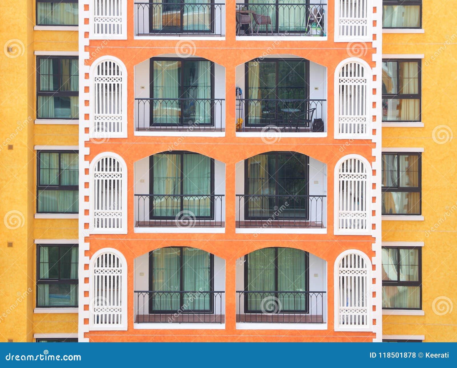 Condomínio horizontal que constrói o assoalho múltiplo