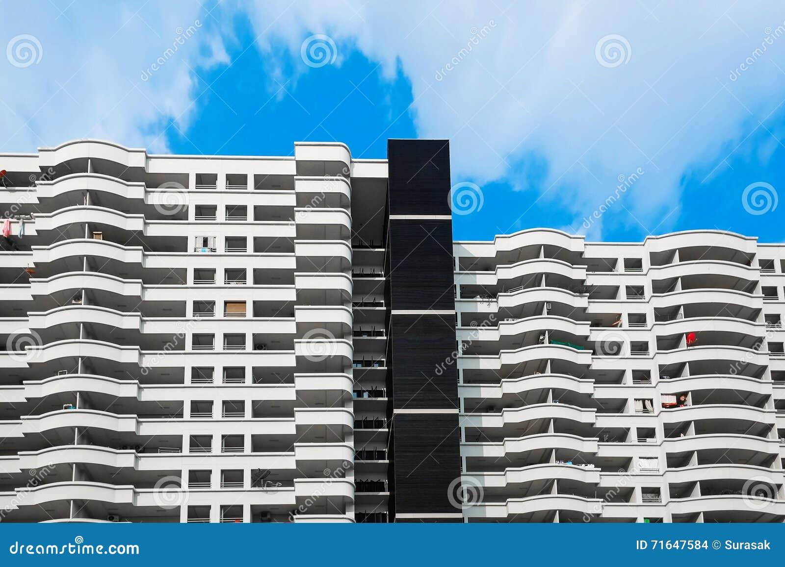 Balconi Esterni Condominio : Condominio la finestra del balcone fotografia stock immagine di