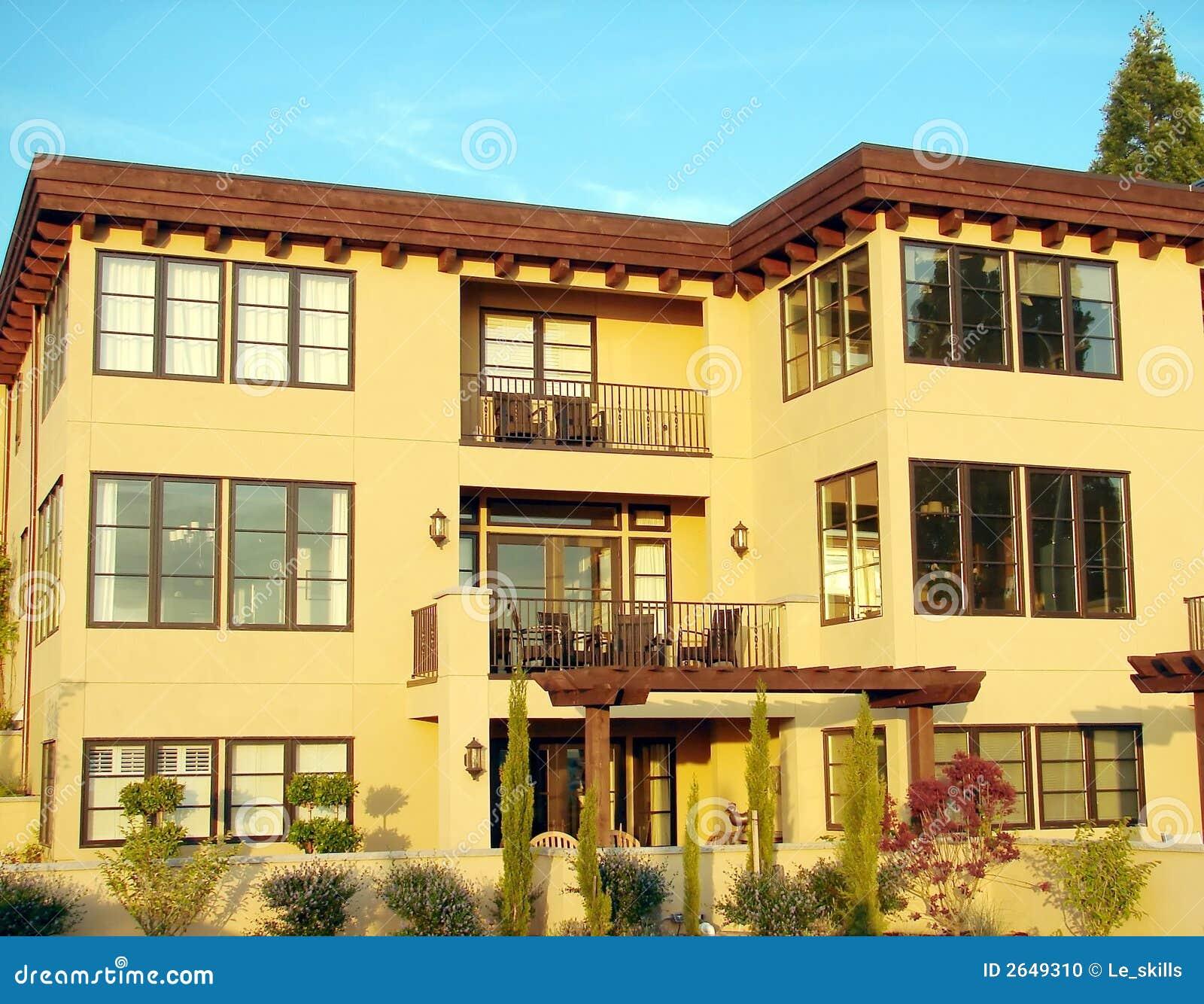 Condo Apartment: Condominium/Apartment Complex Stock Photo