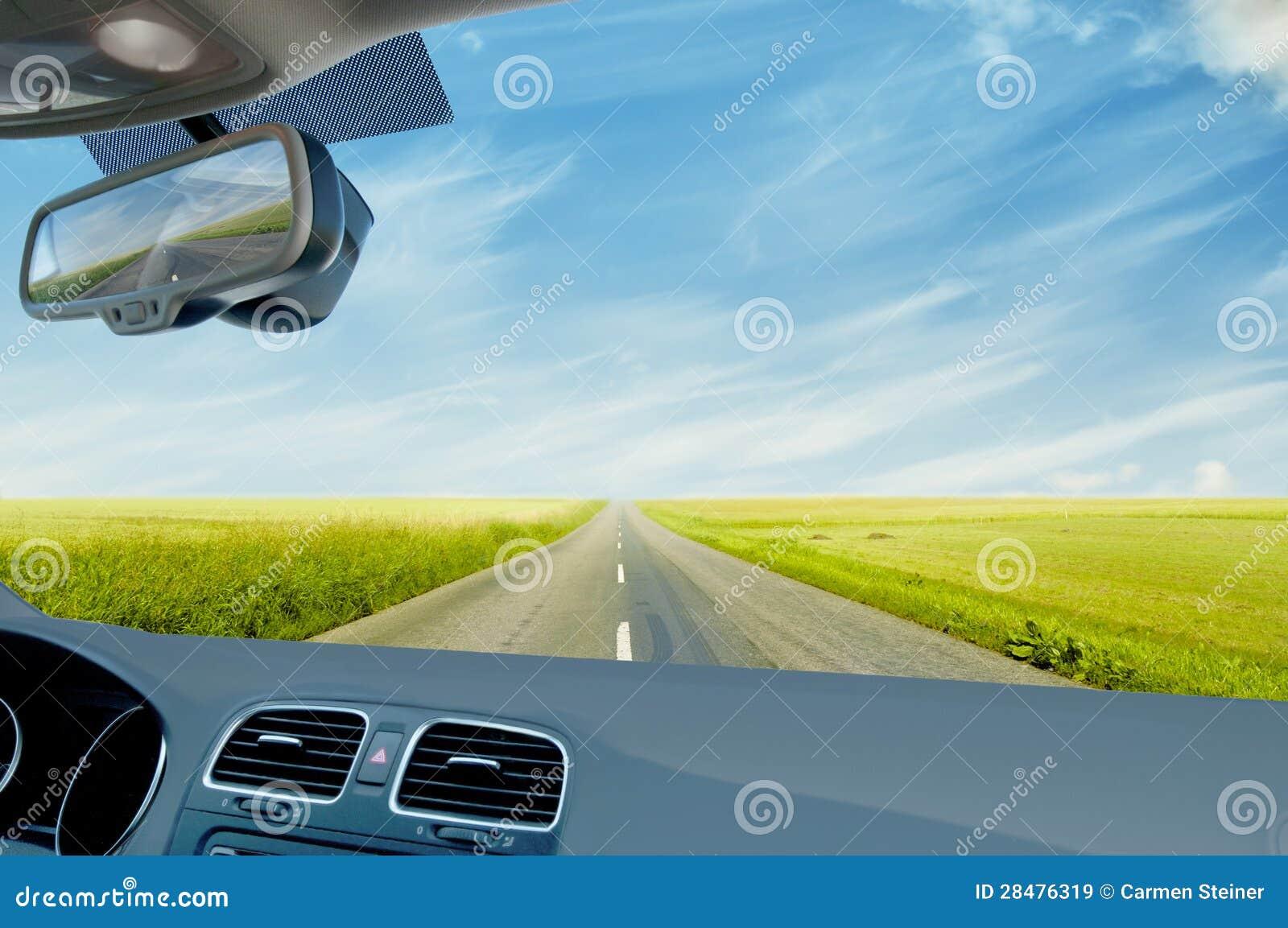 Conducción de automóviles en campo