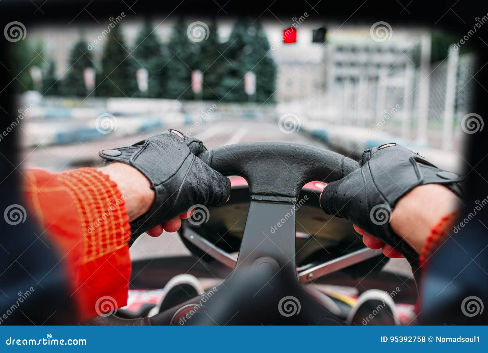 Conducteur de Karting, vue avec les yeux du coureur