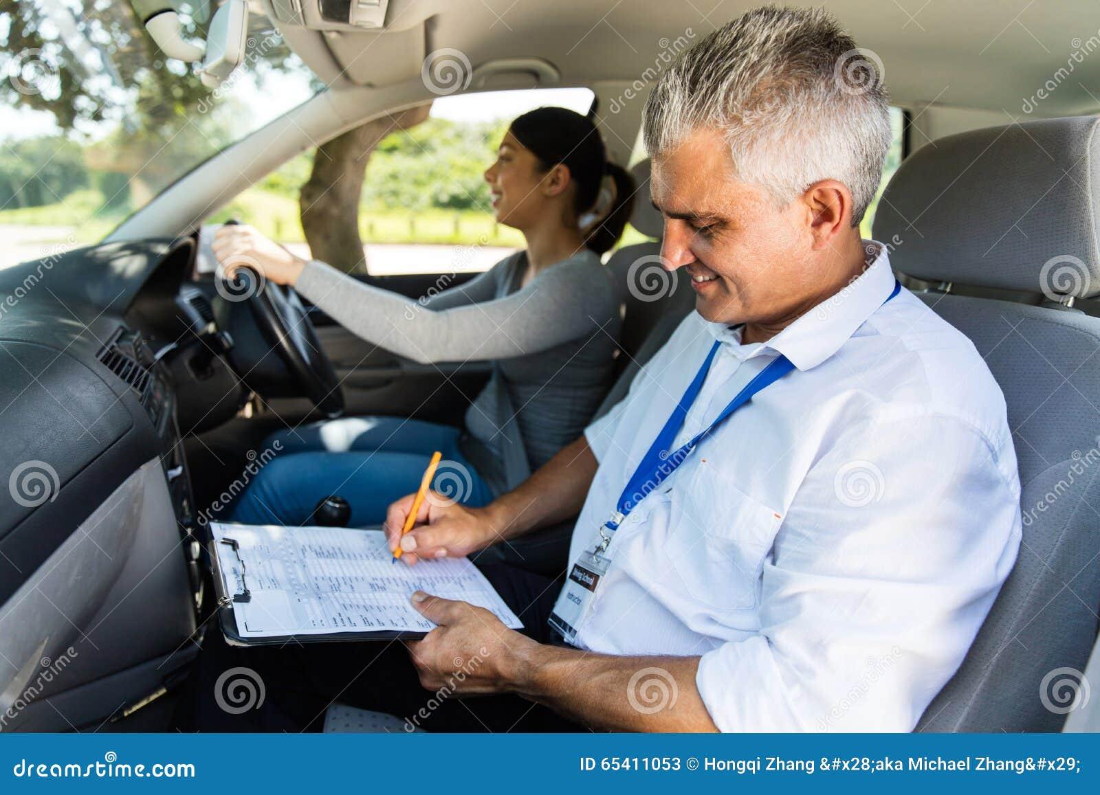 Conductor del principiante de la prueba del instructor