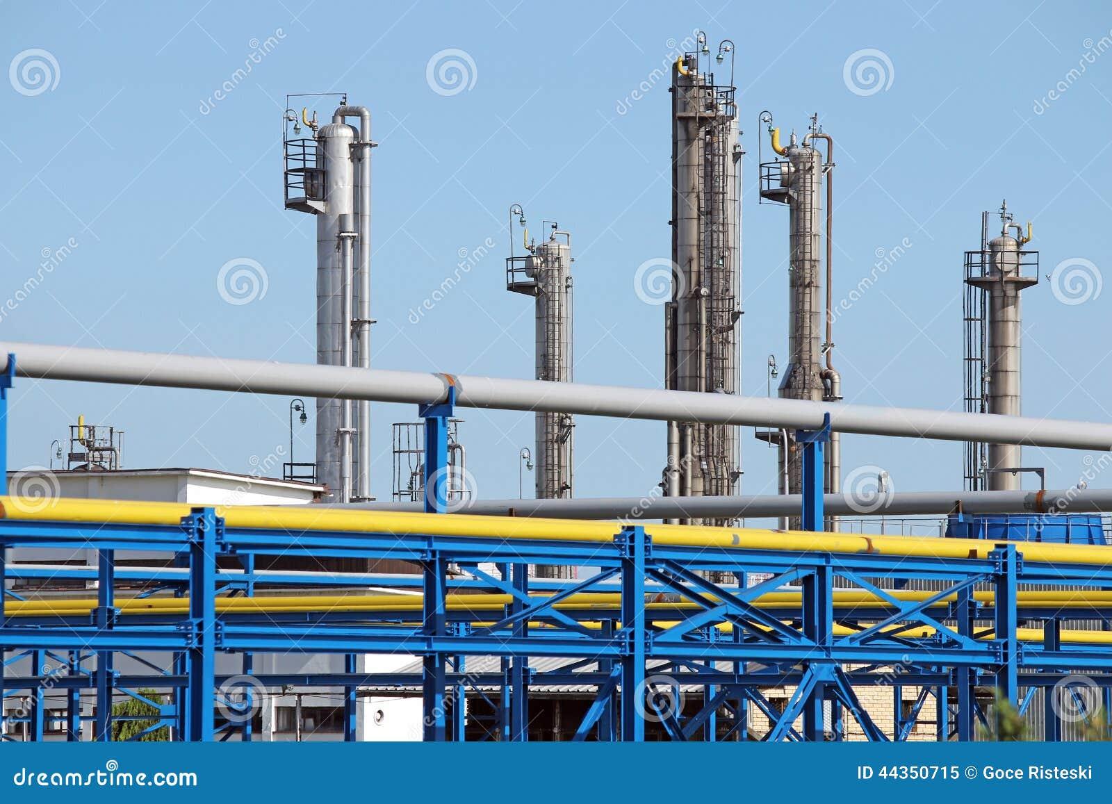 Condutture della centrale petrolchimica