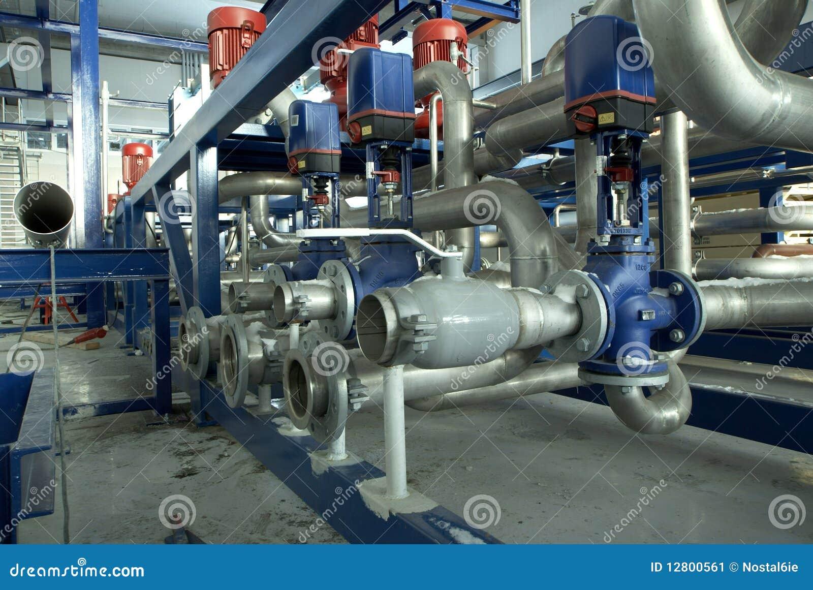 Conduz a central energética das válvulas